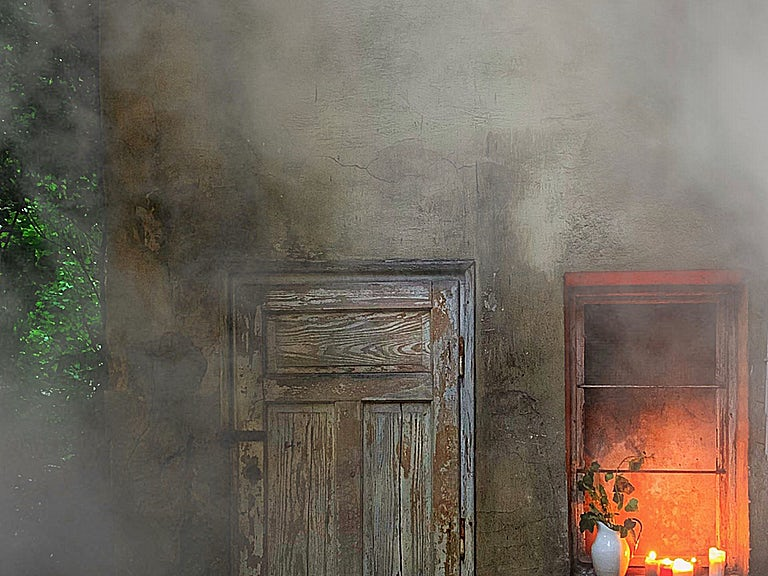 House in disrepair, no fire cover image